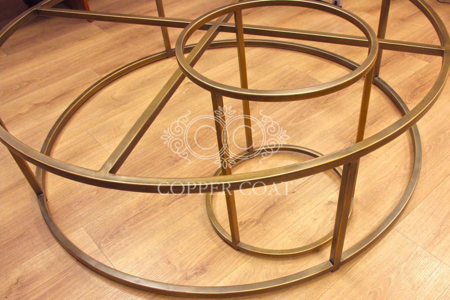 Каркасы круглых столиков с отделкой под хаотичную среднестаренную бронзу или латунь